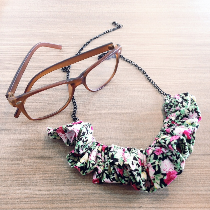DIY Flowery Necklace